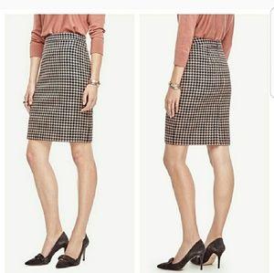 <Ann Taylor> shimmer houndstooth pencil skirt